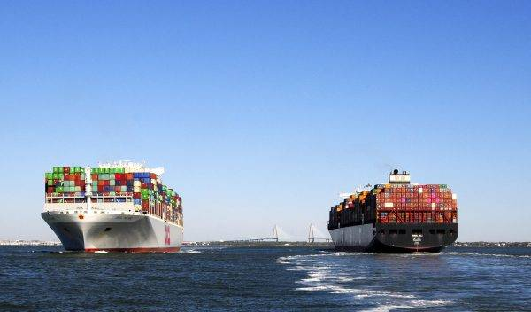 container ships in the charleston harbor