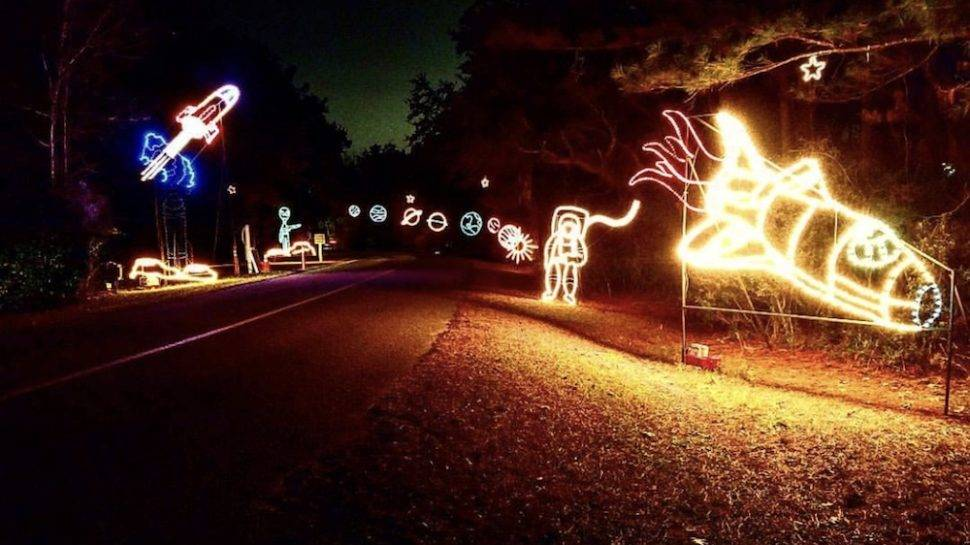 Holiday Festival of Lights | Photo by @_to_write_with_light_ - Where To See Holiday Lights In Charleston, S.C. CHStoday